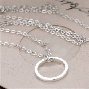 Jewelry - Silver circle infinity necklace